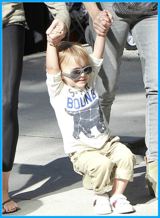 Selma Blair & Son Arthur Spotted At Farmers Market 7