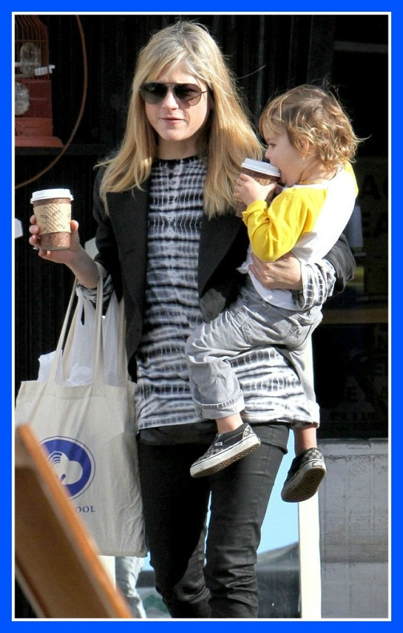 Arthur Saint Bleick stops for coffe with mommy and friends